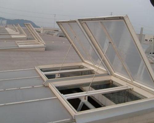 神华胜利电厂位于内蒙古自治区锡林郭勒盟锡林浩特市排烟天窗工程
